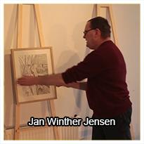 Jan Winther Jensen er billedkunstner, men han er også uddannet møbelsnedker - og i denne måneds teknik viser han dig, hvordan du kan bygge dine egne flotte udstillingsstaffelier.
