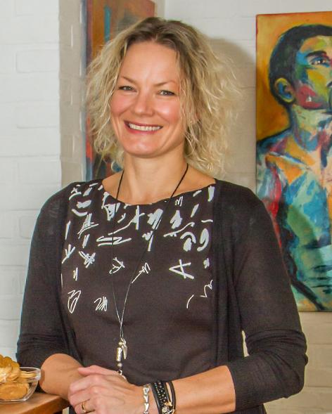 Karina Thomas er månedens kunstner i Kunstskolen Annes Atelier
