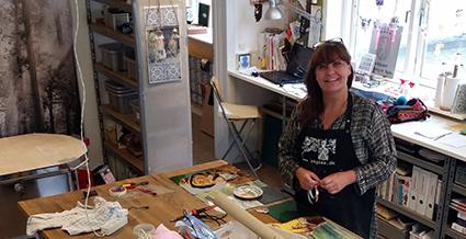 Rebekka Koefoed er månedens kunstner i Kunstskolen Annes Atelier